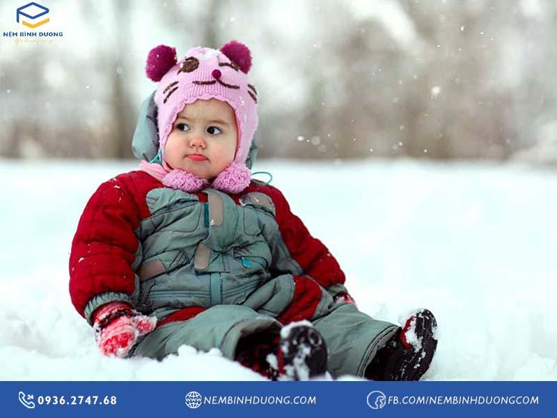 6 cách giữ sức khỏe cho trẻ vào mùa đông - Nệm Bình Dương