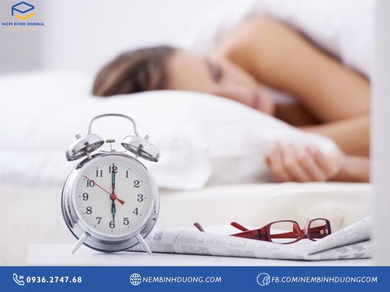 7 thói quen buổi sáng làm bạn tăng cân mất kiểm soát - Nệm Bình Dương