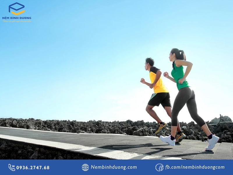10 bí quyết giúp bạn chạy bộ đúng cách- Nệm Bình Dương