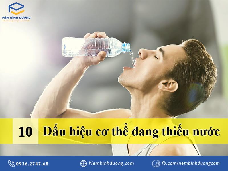 10 dấu hiệu cơ thể đang thiếu nước