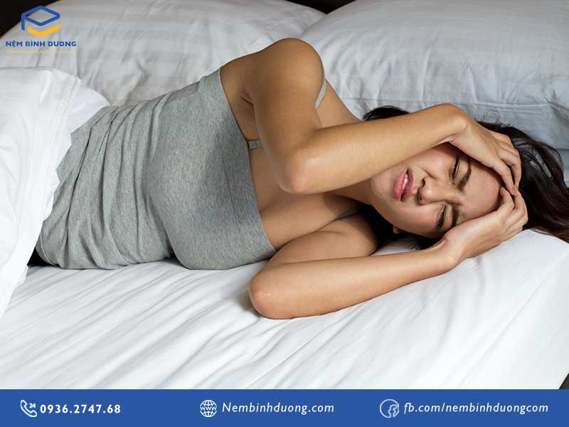 6 nguyên nhân làm bạn đau đầu khi thức dậy buổi sáng - Nệm Bình Dương